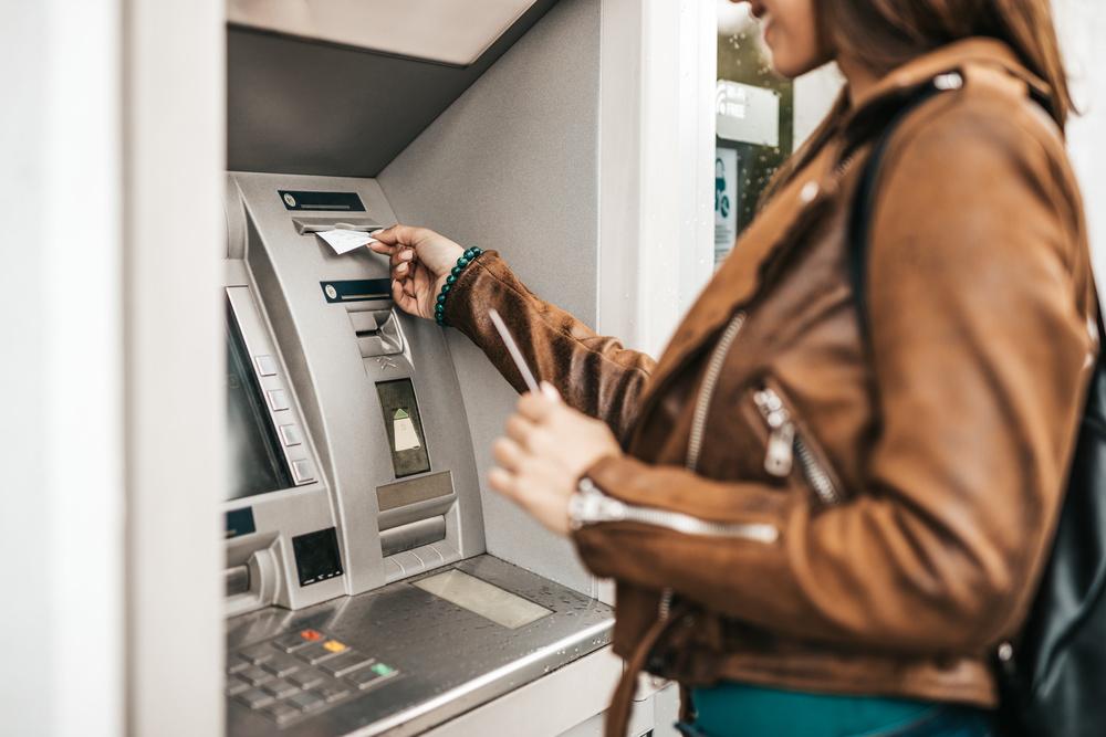 银行卡和存折有哪些区别?