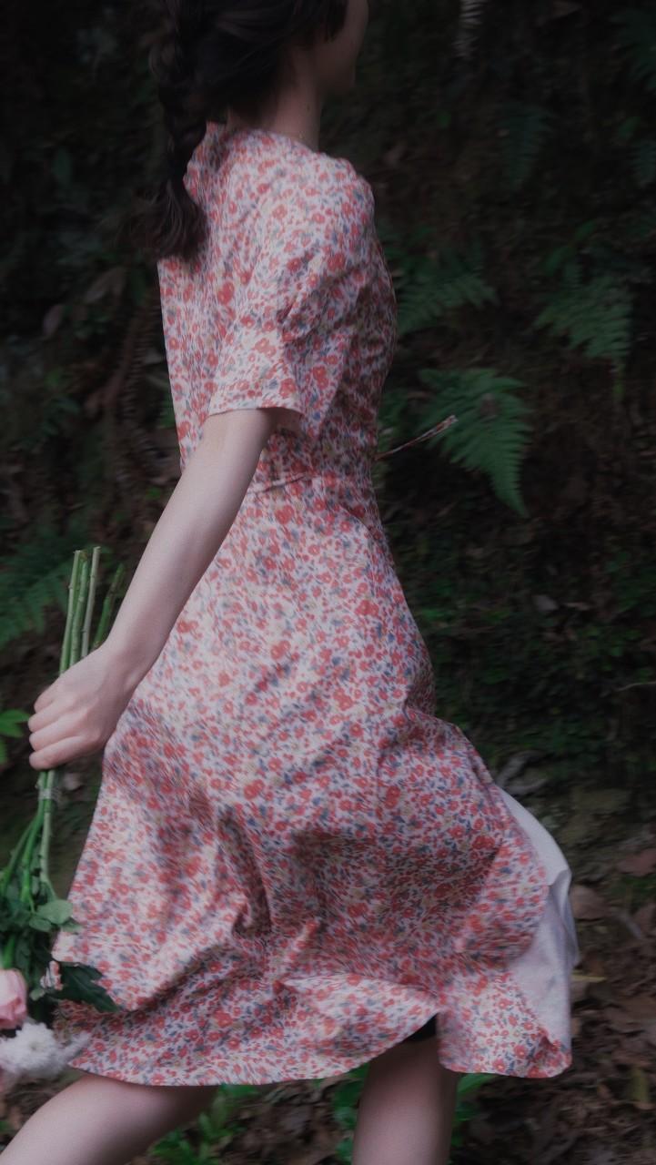 Mark Fast2022春夏系列 把伦敦时装周带到 90 年代
