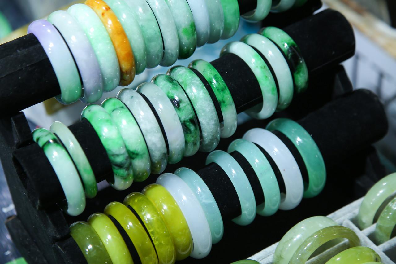 水贝国际珠宝交易中心VS十堰绿松石商会战略合作暨十堰绿松石品质分级标准发布会举行