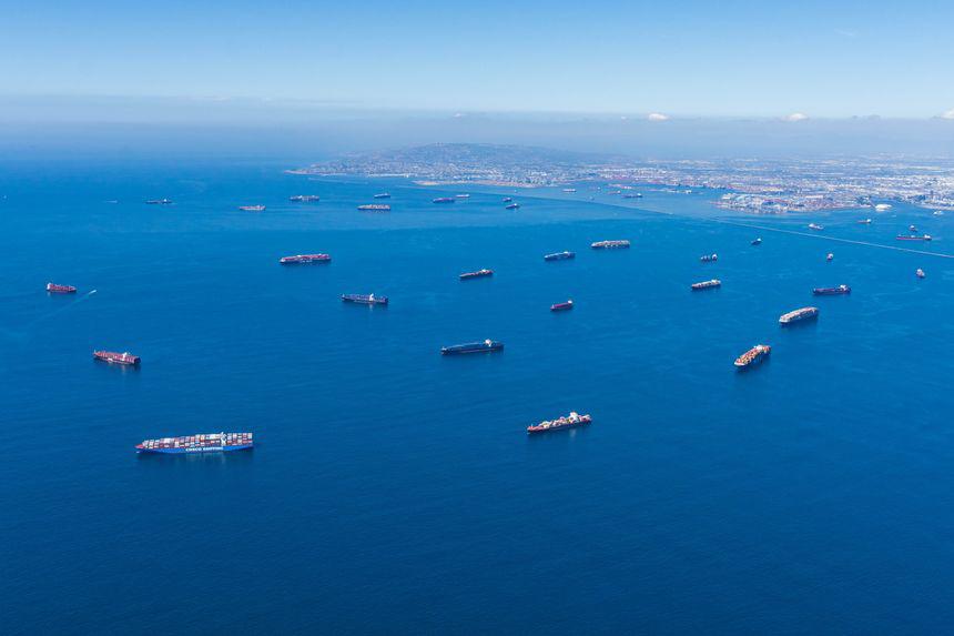 美国供应链撑不住了!跨太平洋需80天 零售商自费租船进口货物!