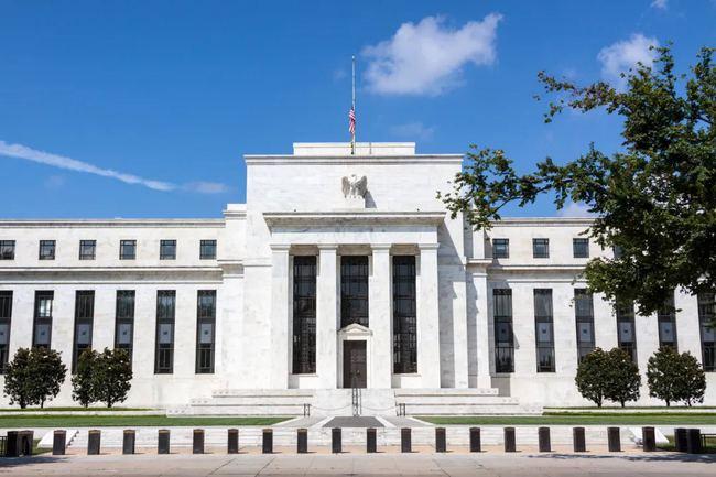 """美联储官员称缩减计划未变 黄金""""顽强""""上涨!美CPI携美联储会议纪要来袭!"""