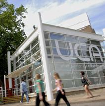 创造性艺术大学学院