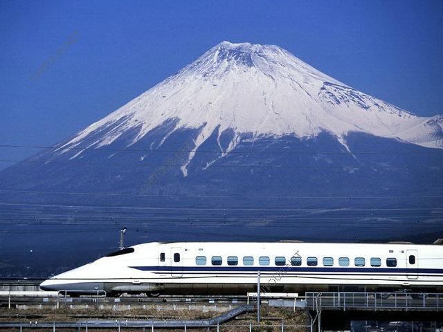 日本新干线(Shinkansen)
