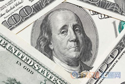美指跌至半年新低,美国政治忧虑持续施压美元