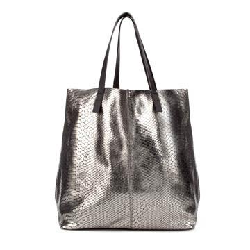 Zara 金属质感蟒蛇纹购物包