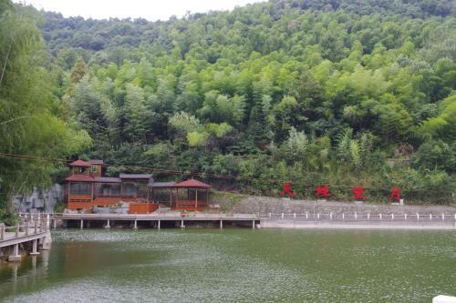 象山鲤龙潭森林公园