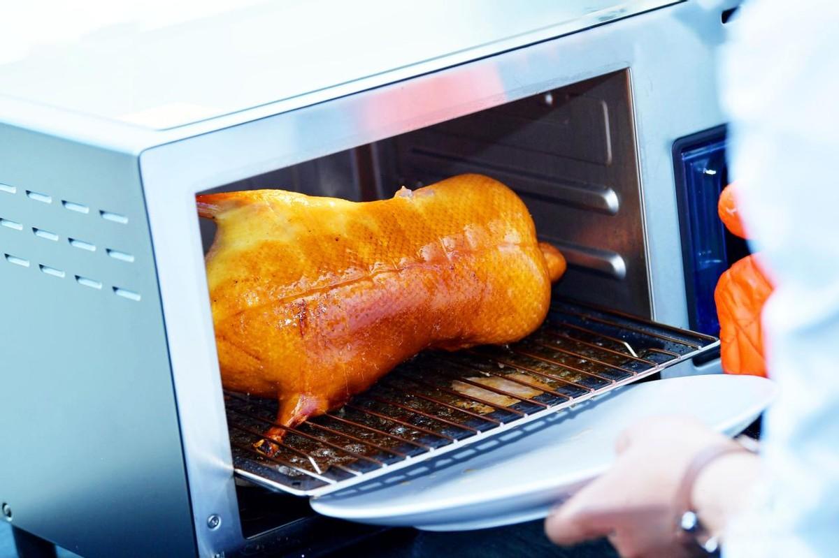 《【金牛3公司】海尔食联网生态落地再提速片制烤鸭上线1周卖出2万份》