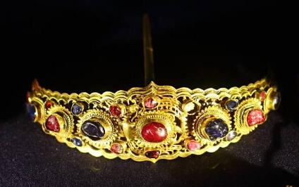 黄金制的首饰会生锈吗?