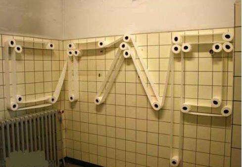 厕纸怎么放有讲究 你放对了吗?